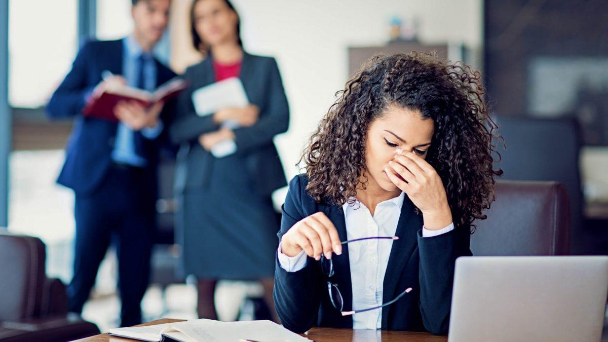 O que caracteriza assédio no ambiente de trabalho? Entenda!